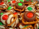 Easy, Festive Chocolate Holiday Pretzels picture