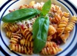 Penne With Sundried Tomato Pesto and Chicken picture