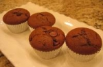 Easy and Good One-Bowl Chocolate Chip Fudge Cupcakes! picture