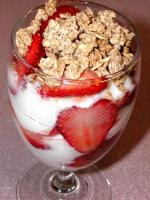 strawberry brunch parfait picture