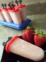 Bavarian Strawberry Pops picture