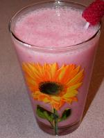 Pineapple and Raspberry Smoothie picture
