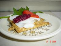 Low-Sodium Whole-Grain Crackers picture