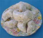 Almond Crescents (Kourabiedes) picture