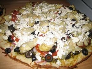 pesto artichoke pizza picture