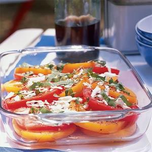 tomato, basil, and fresh mozzarella salad picture
