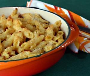 spaghetti al tonno with mac and cheese (tuna pasta dish) picture