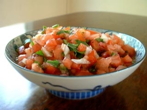 fresh tomato salsa picture