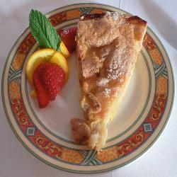 easiest-ever apple pie picture