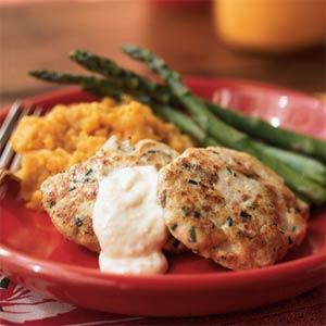 spicy chicken cakes with horseradish aioli picture