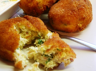 Pan Fried Crab Cakes picture