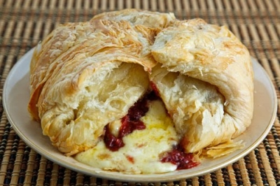 Baked Brie in Puff Pastry picture