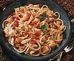 garlicky linguine with crab, red bell pepper and pine nuts picture