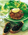 crab cakes with red chili mayonnaise picture