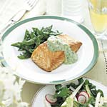 roasted salmon with cucumber sour cream picture