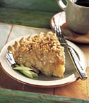 cinnamon crumble apple pie picture