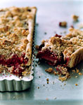 raspberry crumble tart picture