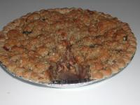 Yummy Crunchy Caramel Apple Pie picture
